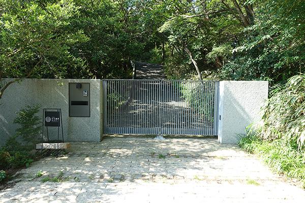 右手に「DOKI」のゲート
